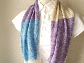 コットンとリネンの機械編みスヌード ラベンダー×ライトブルーの画像