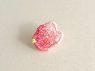 『桜の花弁』ブローチの画像