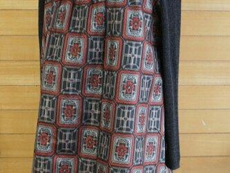 大島紬 赤と黒 角紋模様 2wayワンピース 着物リメイクの画像