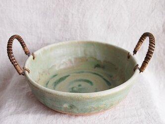 手つきのみどりの鉢の画像