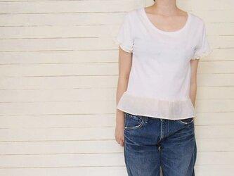ホワイトフリルのリメイクTシャツの画像