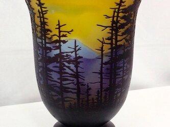 唐松林風景花瓶の画像