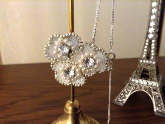 花の刺繍ネックレスⅡの画像