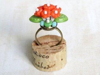 フラワーブーケの指輪(ビビッド)の画像