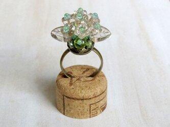フラワーブーケの指輪(クリア)の画像