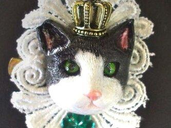 ネコの王様 ブローチの画像