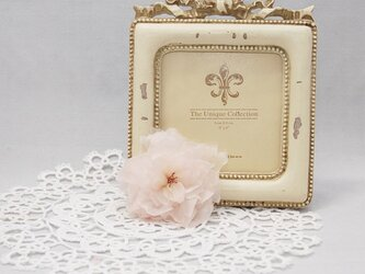 八重桜のブローチの画像