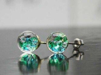 Bijou glass ゴールドチタンピアス グリーンアイスブルーカラーの画像