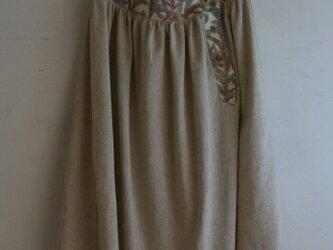 ウールとリネンのヨークスカート ベージュ Mサイズの画像