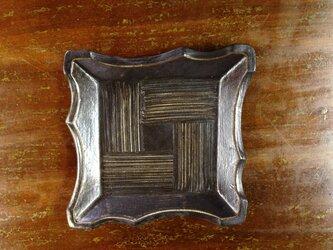 粉青沙器 角皿 黒の画像