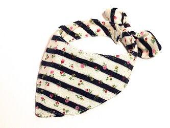 ネコ・イヌ用スカーフ 白紺ボーダー花柄の画像