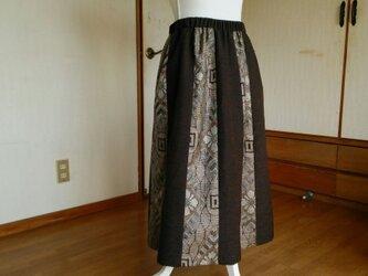 大島と無地の紬のスカートの画像