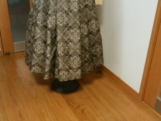 シックな柄のスカート  1点品の画像