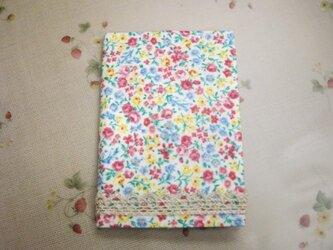 花柄レースのカバー カードケース(W)の画像