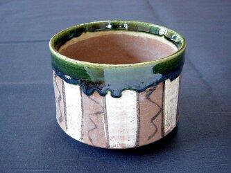 鳴海織部茶碗の画像