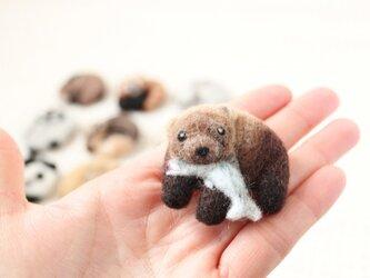 まるまる羊毛ブローチ クマ【受注制作】の画像