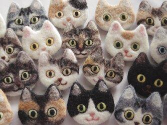 【オーダーメイド】猫顔フェルトブローチの画像