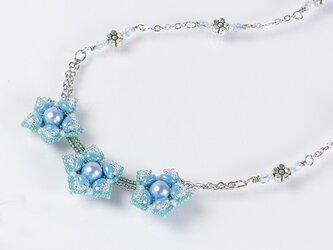 星型の花モチーフネックレス・アクアの画像