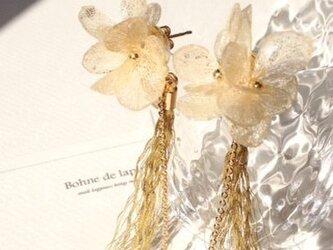 蜂蜜色の紫陽花タッセルイヤリング・ピアスの画像