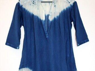 ◆100%自然素材 天然灰汁発酵建て 本藍染め作品◆ 肩・裾絞り模様 五分袖チュニックの画像