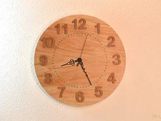 時刻が見やすく檜の香りと緑のスワロフスキーで森の自然を感じる一枚板の掛け時計【クオーツ時計】の画像