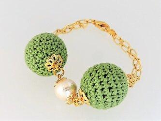 新緑のニットボールとコットンパールのブレスレット・金♪の画像