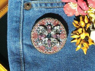ビジュ―刺繍ブローチ(ピンク)の画像