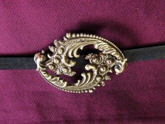 真鍮ブラス製 大正ロマン風大き目の洋風唐草帯留め 着物や浴衣の帯締め飾りにの画像