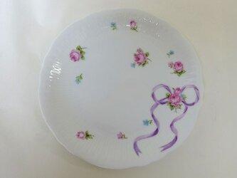 リボンのパン皿(ライラック・手描き上絵付け)の画像