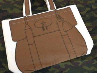 トロンプルイユ●トートバッグ(小)〈ブラウン〉の画像