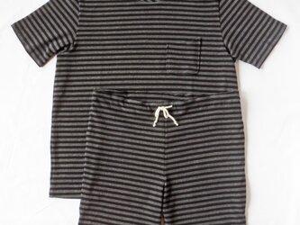 ボーダーTシャツ、パンツ セットアップの画像