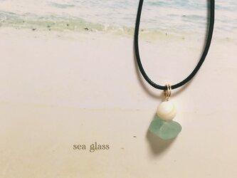 シーグラス×マザーオブパール ネックレスの画像