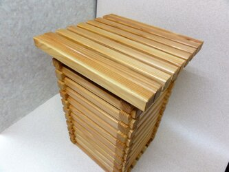 箱型スツールの画像