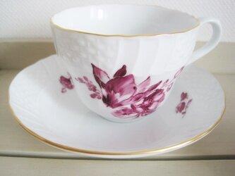 シクラメンのブーケのカップ&ソーサーの画像
