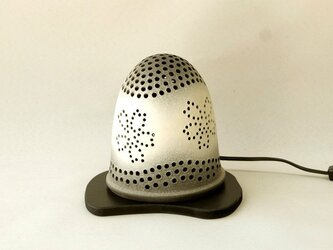 黒陶ランプ 「花(LED) 」の画像