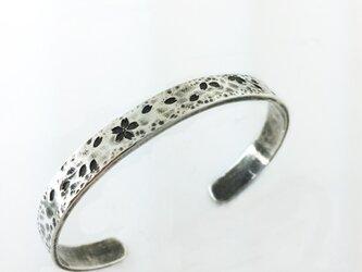 pure silver 桜バングルの画像