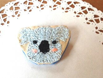 コアラちゃん刺繍ブローチの画像