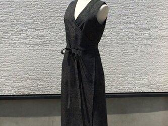 【SOLD OUT】紬のノースリーブラップドレスの画像