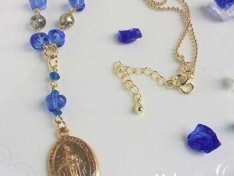メダイユとイタリアンビーズのネックレスの画像