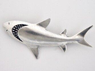 サメブローチの画像