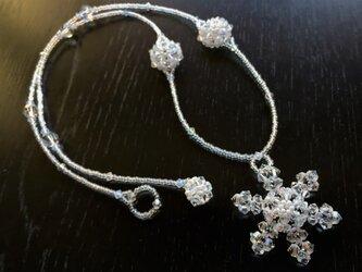 雪の結晶ロングネックレスの画像