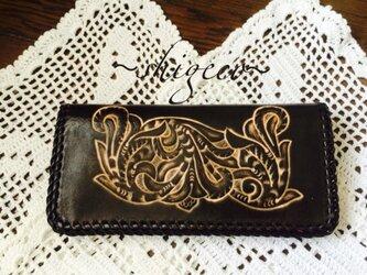 牛革カービング長財布(こげ茶色)の画像