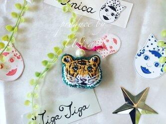 トラの刺繍パールピアス≪Pierced earrings[tigatiga]P-0004≫の画像
