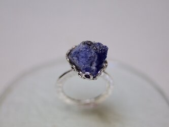 Simple tanzanite ring (big rough tanzanite)の画像