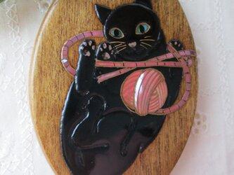 蒔絵手鏡 黒猫と毛糸玉(赤)の画像