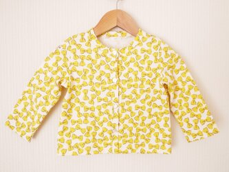 <Y様ご予約品>黄色いリボン柄のクルーネックカーディガン (80cm)の画像