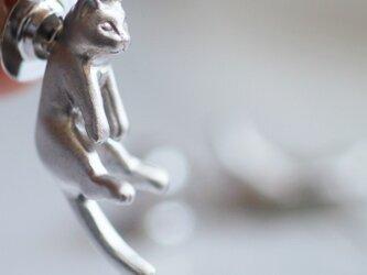 猫ピンブローチ グリ(シルバー)の画像