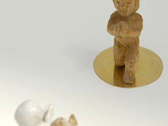 祈る子(片立ち膝) The child who prays (One knee)の画像