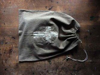 草木染め きんちゃく袋 「クロス」2の画像