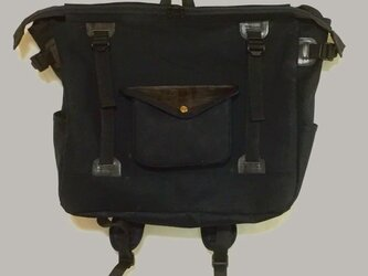square backpack BKの画像